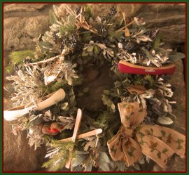 red wreath good